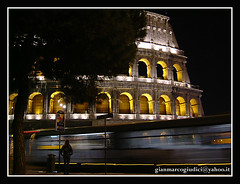 Colosseo (gianmarco giudici) Tags: street italy black roma monument yellow night busstop fori colosseo imperiali colosseumbynight gladiatori romaantica superaplus aplusphoto flickraward platinumheartaward anticando gianmarcogiudici