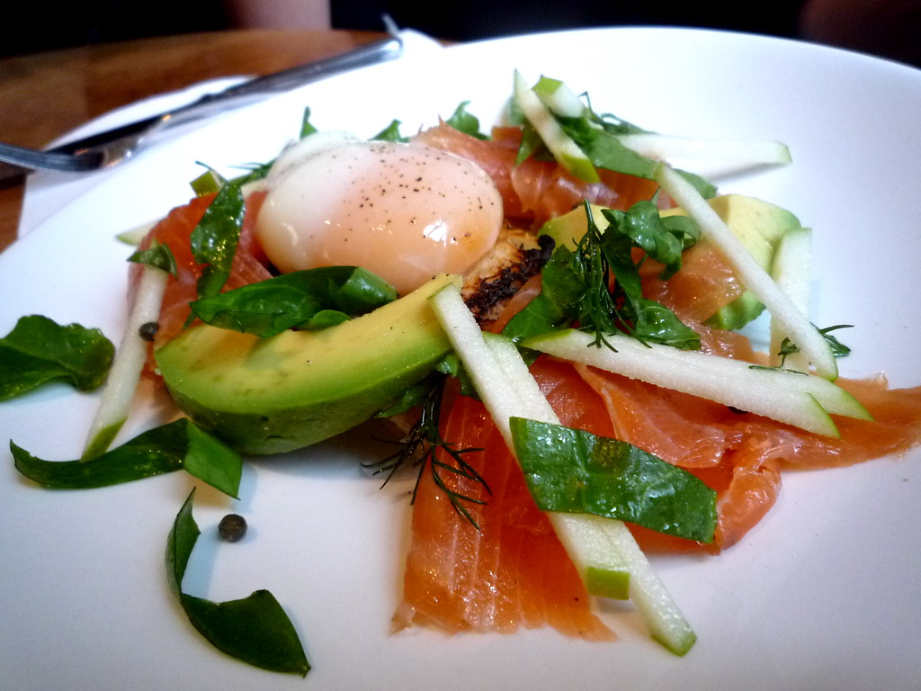 Smoked salmon with 65/65 egg