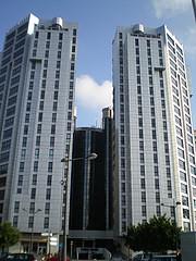 Vista del hotel entre las 2 torres