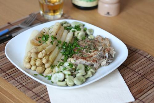 Cocotte de veau aux asperges & aux fèves