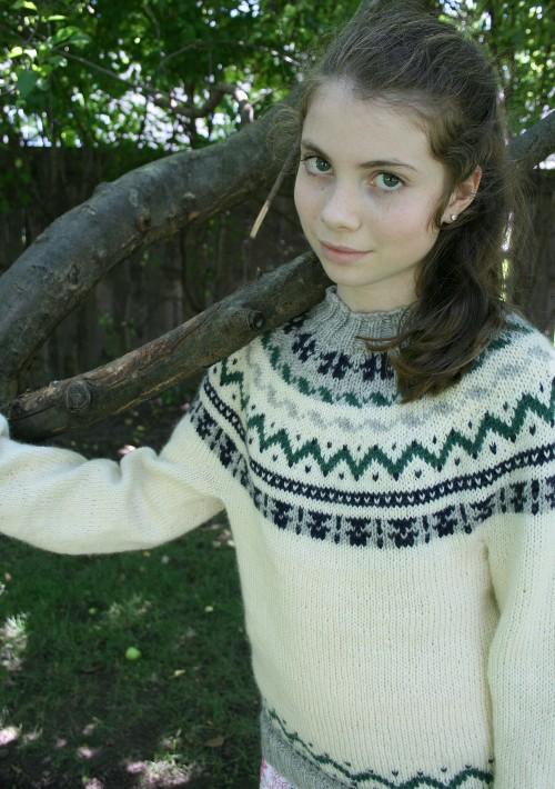 Daisy, Yoke Sweater