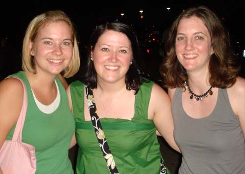 AggiesGirl06, hornedfroggy & BMK at John Mayer - August '08
