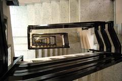 Madrid Agustn de Fox Escalera interior. 2985 (javier1949) Tags: madrid stairs escalera escaleras peldaos