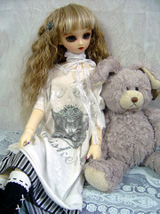 Nana... (Dolly Paws) Tags: bear anna white black rabbit sisters cat ball four doll dolls lace rich nana bjd custom superdollfie volks sd10 discontinued jointed f05 60cm dollypaws zerodotlingling