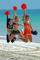 Go Canes ! (CromagnondePeyrignac) Tags: beach cheerleaders miami gators um
