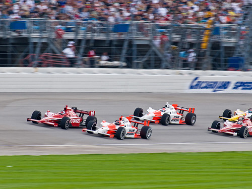 Dan Wheldon, Helio Castoneves, Ryan Briscoe,Scott Dixon, and Tony Kanaan-