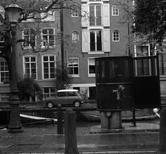 Amsterdam urinoir. (Erik van der Zwet Slotenmaker) Tags: amsterdam mini pissoir gracht egelantiersgracht amstelveld pishok