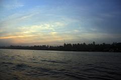 Delta du Mekong, Vietnam (~Xavi~) Tags: rio canon river eos asia delta can vietnam viet v chapeau asie mekongdelta mekong nam tho fleuve conique 400d deltadumekong xaviventas