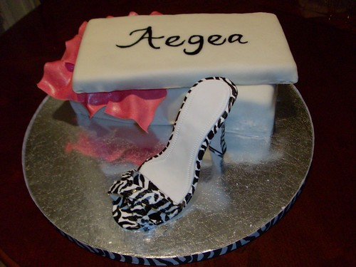 Beyond Class: Girls night out cake and gum paste shoe