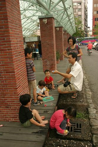 你拍攝的 湯圍溝公園:玩石頭。