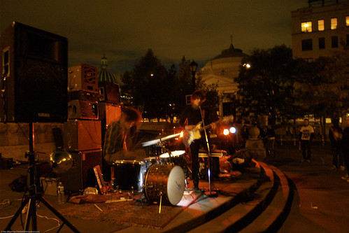 10.22d CMJ Sisters @ Continental Army Plaza (15)
