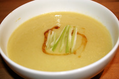 Celery, Leek & Potato Soup (Andurinha) Tags: barcelona food vegetables manzana sopa puerro apio