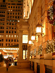 The Plaza (Jim Lambert) Tags: christmas nyc newyorkcity usa ny newyork streets cars architecture buildings us traffic unitedstates manhattan 5thavenue christmaslights midtown nighttime theplaza christmasdecorations pedestrians fifthavenue centralparksouth 2008 cps automobiles 5thave fifthave sidewalksofnewyork centralparks nighttimephotography w59thst theplazahotel december2008 west59thstreet fall2008 12122008 w59thstreet december122008 12december2008