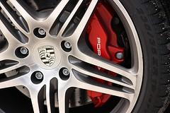Porsche (FelipeSantarelli) Tags: sports car porsche brakes