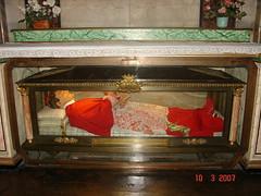 San Jos Maria Tomasi Caro (abarrero2000) Tags: roma saint shrine italia holy bones santo relics reliquien schrein archbishop arzobispo urna cardenal cardinale reliquias reliques arcivescovo sanandreadellavalle chsse corposanto