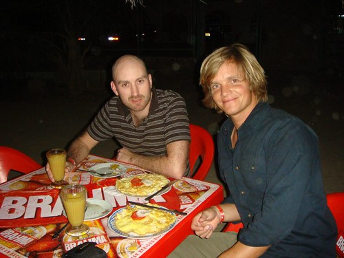 Ragnar and Nicolai eating omelettes in Máncora...