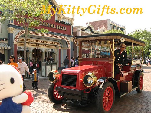Hello Kitty greeted by Tour Cab Driver at Main Street, Hong Kong Disneyland