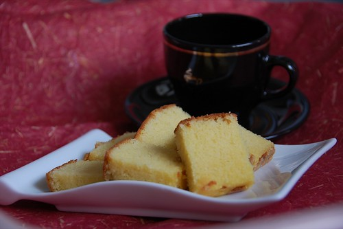 sugee cake and tea