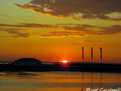 Pôr do Sol / Sunset (Miguel Tavares Cardoso) Tags: portugal rio river tejo tajo picnik tagus montijo miguelcardoso flickraward colourartaward ilustrarportugal theperfectphotografer águasdivinas miguelcardoso2008 migueltavarescardoso