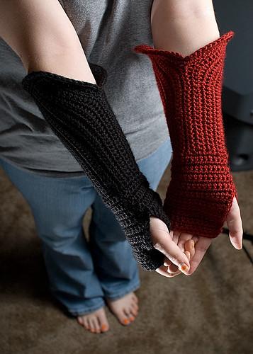 Ravelry: Gauntlet Style Fingerless Gloves pattern by Nichole Verville