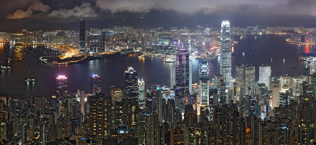 Hong_Kong_Night_Skyline_non-HDR-1