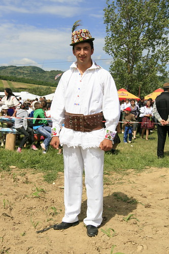 Traditional Romanian folk costume from Cupşeni, Lăpuş Region, Maramureş County by TudorSeulean.
