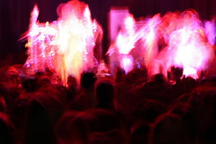 luminaries (marfis75) Tags: light red party people music celebrity rock fun person licht dance concert hands musiker artist audience stage gig ad performance creative band commons blurred pop menschen cc bands artists creativecommons singer musik popular konzert redlight arresteddevelopment beleuchtung tanzen personen feiern musican publikum kopf drinnen inconcert snger programm bhne batschkapp klatschen auftritt kpfe berhmt konzerthalle ccbysa lichtgestalten bekannt marfis75 marfis75onflickr
