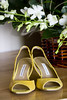 yellow flowers yellow shoes yellow detail wedding photo