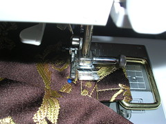 Making a messenger bag with a tablerunner (13)