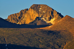 First Light at 14,259 feet (4,346 m)  on Longs Peak (Fort Photo) Tags: morning mountain ice nature rock sunrise landscape dawn nikon nps peak diamond alpine rmnp longspeak wilderness rockymountainnationalpark firstlight d300 longs aplusphoto