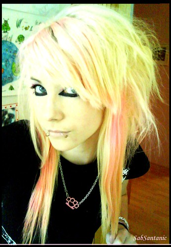 scene girl pictures. Long blonde scene hairstyle