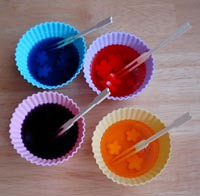 silicone cups for coloring egg white pieces