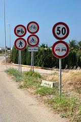 Divieti (bizzo_65) Tags: road italy strada forbidden cartello puglia stradale divieto