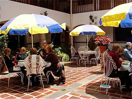 delegates-in-courtyard