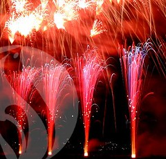 Fountains In Action (EpicFireworks) Tags: display fireworks bonfire pyro 13g epic pyrotechnics packs epicfireworks