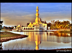Floating Mosque (mellyssa) Tags: