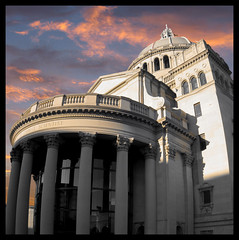 The First Church of Christ, Boston, MA (James Simard) Tags: sunset church columns churchofchrist corinthiancolumn impei 1894 marybakereddy motherchurch christiansciencecenter bostonsunset christiansciencechurch christianscienceplaza bostonchurch firstchurchofchrist jamessimard bostonfirstchurchofchrist bostonmachurch