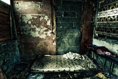 Chez Lui (3) (Stphane Giner) Tags: poverty france bed floor room dirt lit detritus toulouse filthy chambre mattress sdf stephane giner salet pauvret matelas squatt sansdomicilefixe