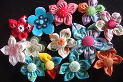 DSC07293 (Nara - Bl Bl Bl Bijuterias) Tags: flores mais e da feltro nara bijuterias