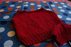 l'illo in progress (comealongdearie) Tags: red knitting lillo knitty