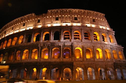 羅馬競技場01 - 一出車站就可以看到了