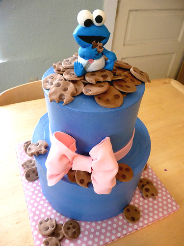 baby cookie monster cake