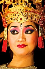 Balinese Dancer (Giuliano Santorelli) Tags: bali indonesia dancer mao ubud barong