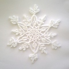 Snflinga! (TM - the crocheteer!) Tags: snowflake white crochet craft tm vitt croche vit hkeln virka virkkaus virkat hekling towemy uncinetto virkad snflinga tmcrocheteer snstjrna