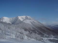 青空と尻別岳