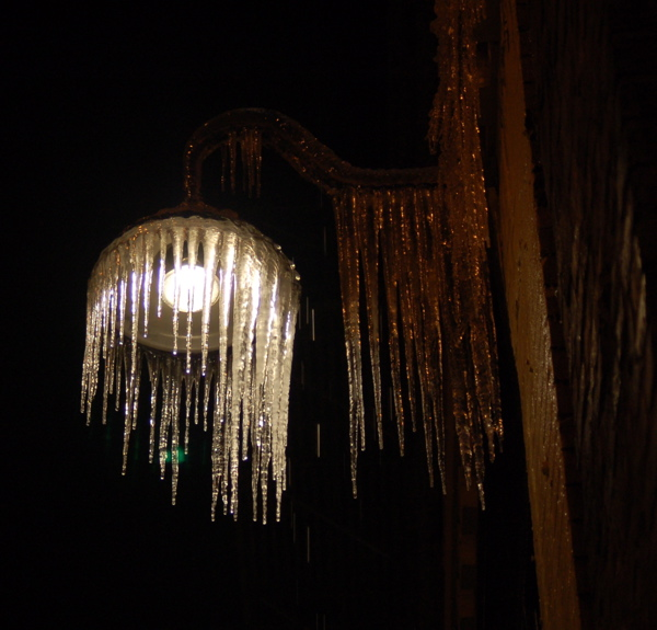 icicles_light_burnside