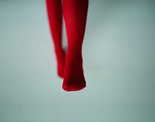 Pequeños pies rojos