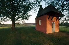 Rote Kapelle Friesenhagen (miez!) Tags: dia slides canoneos650 kodakelitechrome umkehrfilm