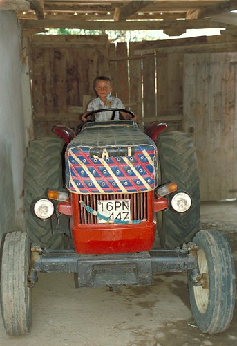 Enfant sur un tracteur, 1988