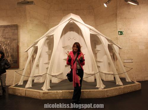 model entrance of sagrada familia